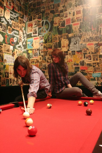 playing-pool